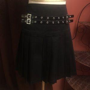Black pleated mini skirt XL Hot Topic